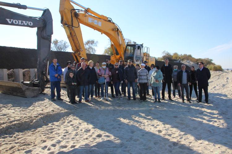 «Варварское укрепление». Кто и зачем уничтожает песчаные дюны на побережье Зеленоградска?